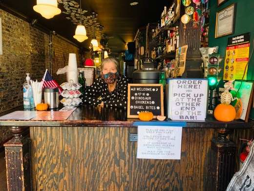 As Temperatures Drop, Neighborhood Bars and Restaurants Struggle