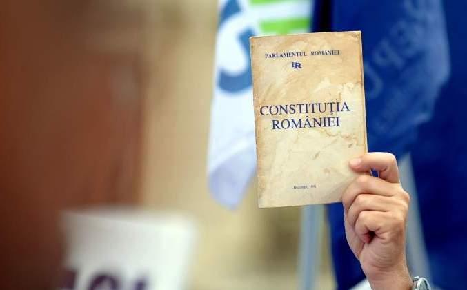 CCR: Pentru deciziile lor politice, miniștrii trebuie trași la răspundere prin mijloace politice, nu prin mijloace de drept penal