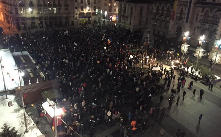 Protestatarii au plecat în marș pe străzile Craiovei