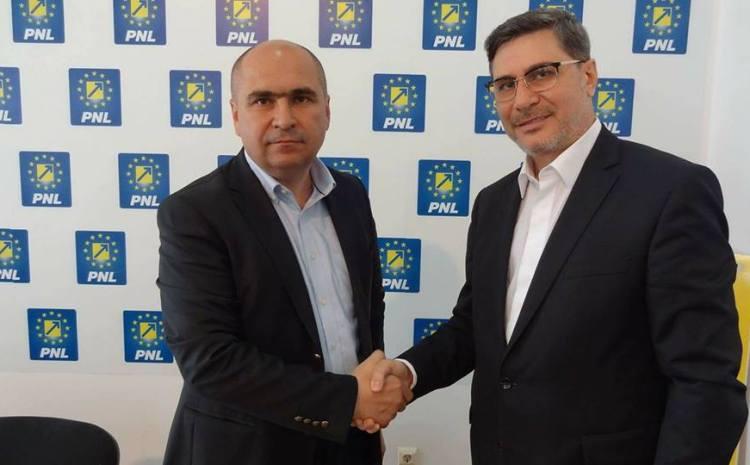 Mario Ovidiu Oprea, încurajat de primarul Oradei înainte de startul campaniei electorale