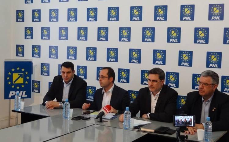 Liberalii vor să-și desemneze candidatul la Primăria Craiovei până la sfârșitul anului. În competiția internă s-ar putea înscrie Mario Ovidiu Oprea, Nicolae Giugea și Marian Vasile.