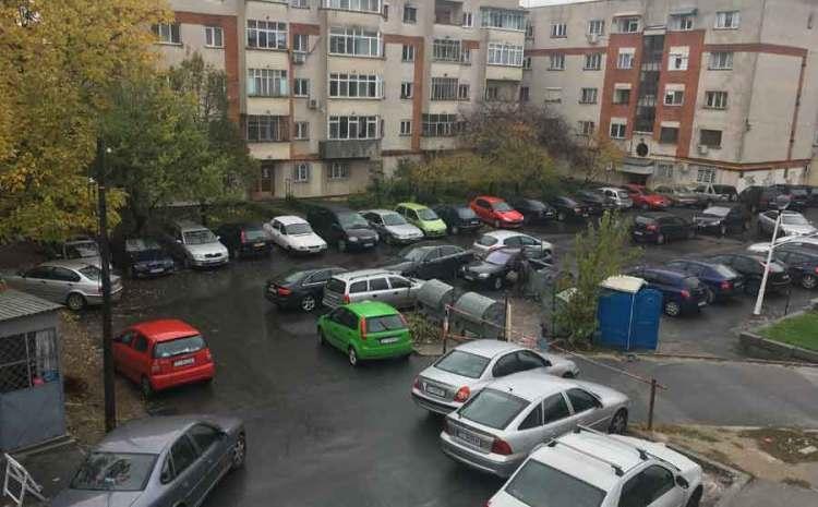 """Primăria schimbă regulile pentru """"Parcarea dintre blocuri"""". Ce trebuie sa știi despre noul regulament"""