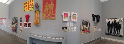 Panorama of the second gallery.
