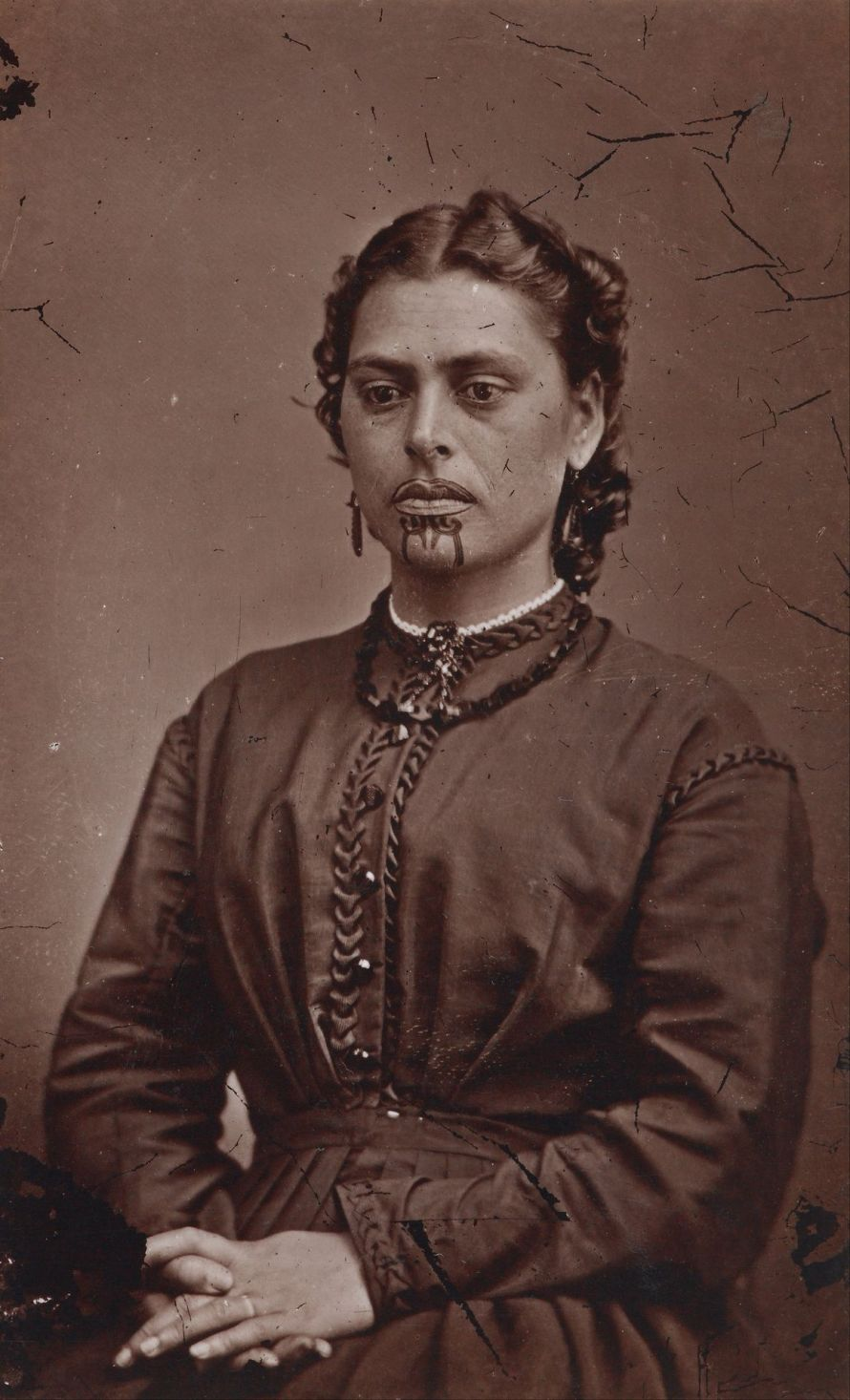 Mrs Rabone, American Photographic Company (Auckland), 1871. március 31. Kép: Museum of New Zealand Te Papa Tongarewa.