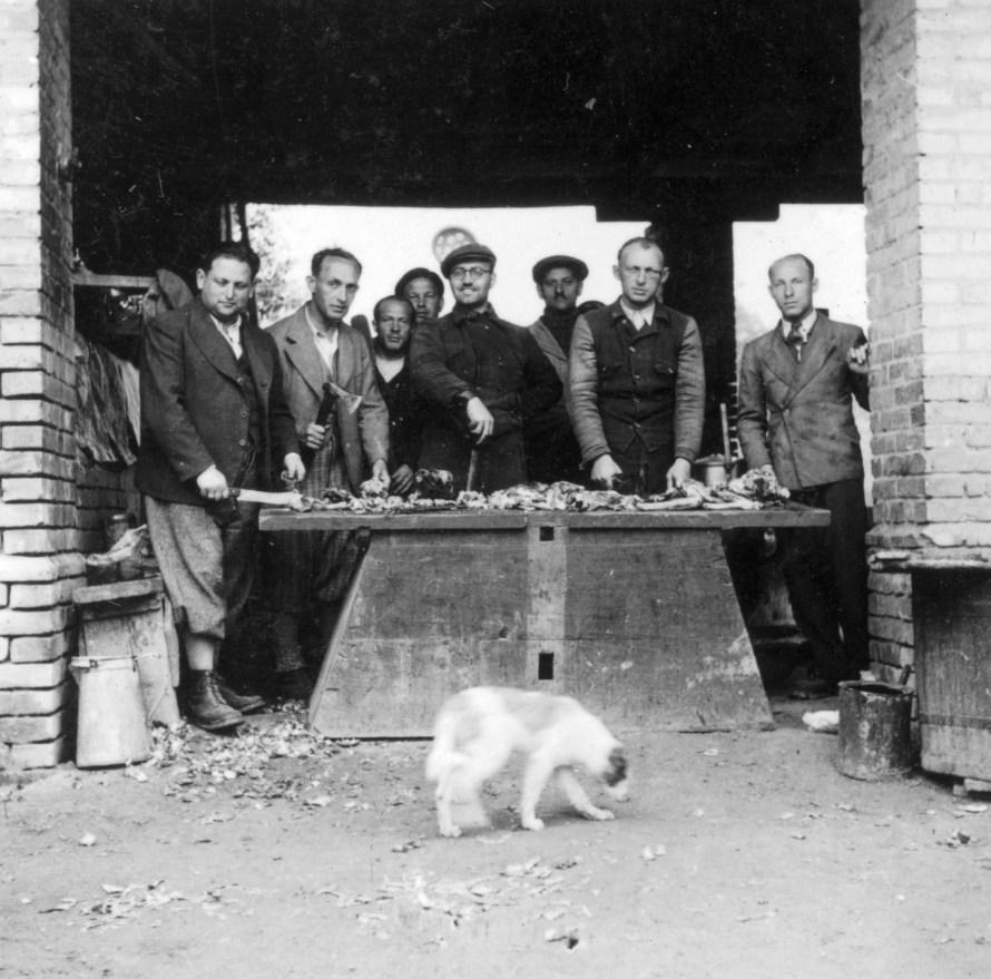 Domony munkaszolgálat, konyha, 1941, MZSL / Magyar Zsidó Levéltár. holokausztfoto.hu