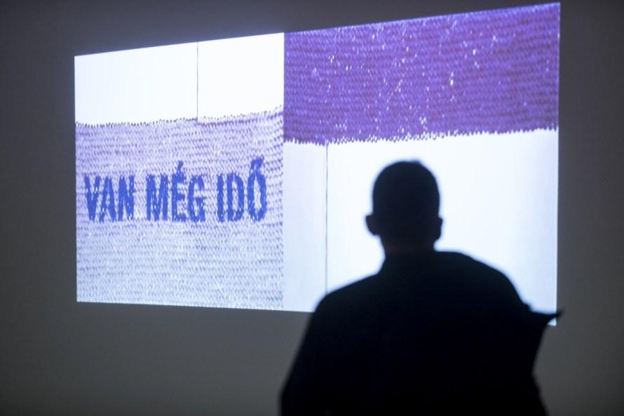 DEAD WEB – THE END, enteriőr. Fotó: GLÓDI Balázs © Ludwig Múzeum – Kortárs Művészeti Múzeum, Adattár és Digitális Archívum