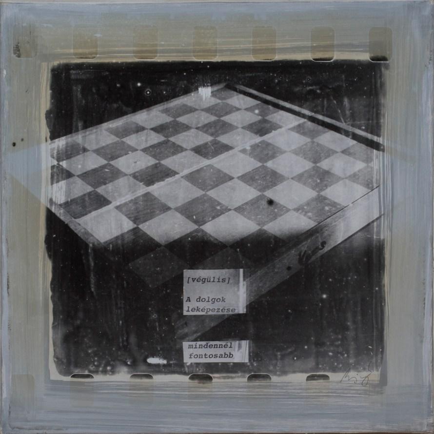 Minyó Szert Károly: A dolgok leképezése mindennél fontosabb, 2009, 40x40 cm, ezüstbromidzselatin, vászon © Minyó Szert Károly