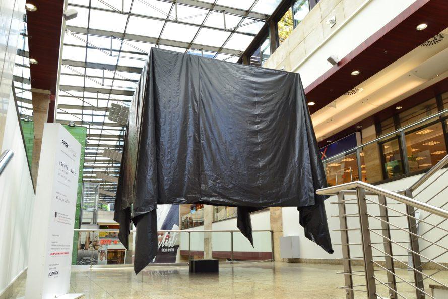Enteriőrkép a MOM Parkban megvalósított Run with me installációról.
