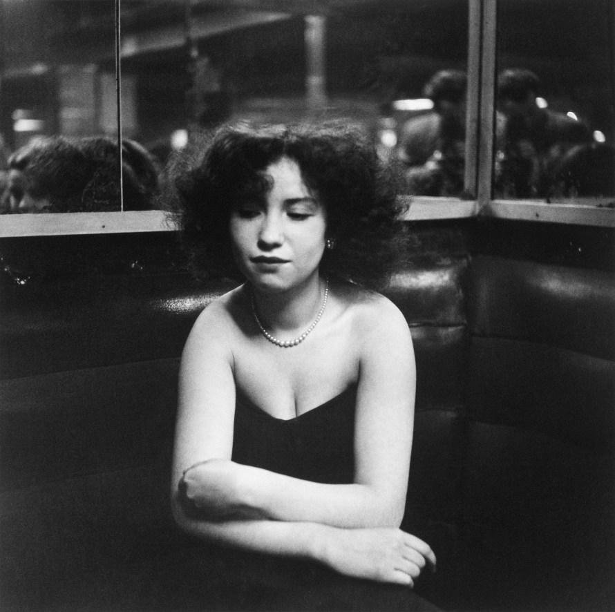 Robert Doisneau: Anita kisasszony, La Boule Rouge, Párizs, 1951, 18x18 cm, zselatinos ezüst © Atelier Robert Doisneau