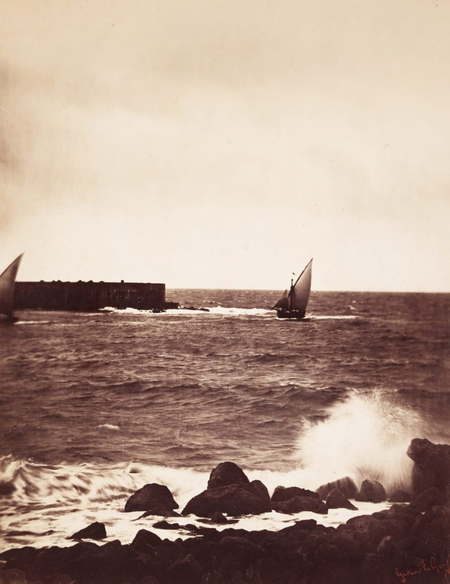 Fotó: <b>Gustave le Grey</b>:<br> <i>La Vague Brisée (The Breaking Wave)</i><br> Courtesy of Sotheby's<br>