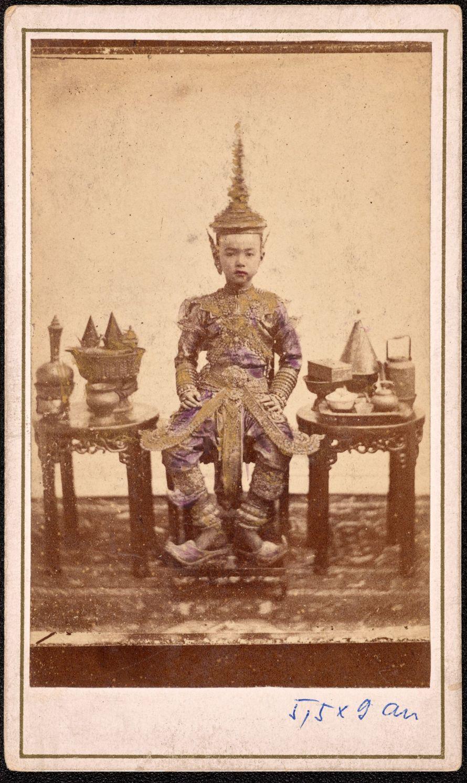 Fotó: Sziámi király<br> Ismeretlen fényképész felvétele, Xántus János gyűjtése Bangkok, 1871 előtt<br> Néprajzi Múzeum
