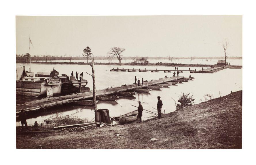 Fotó: Egbert Guy Fowx: Pontoon Bridge on James River, Deep Bottom, Virginia, 1864-1865