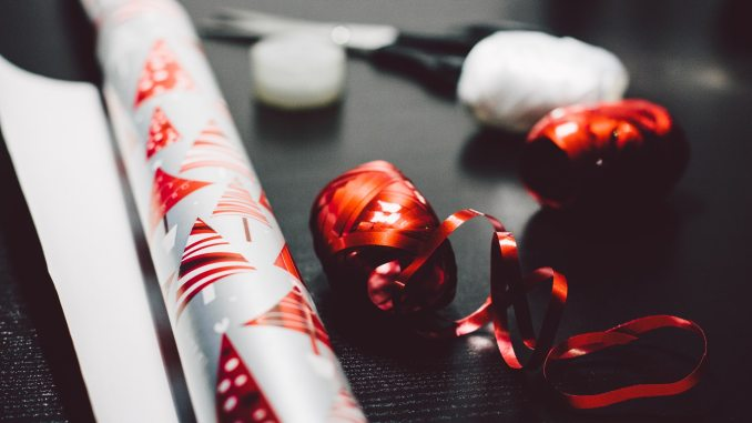 10 great gift giving ideas. With the rise of gluten free, you just never know what people's dietary restrictions might be so better not mess with food.