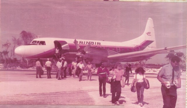 Primeros vuelos que pudieron llegar con el acondicionamiento de la pista en los años 80