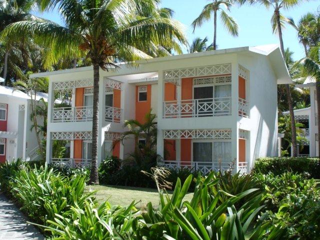 Primeros bloques de habitaciones del hotel Riu Taíno ( no existe en la actualidad) de lo que es el Complejo Riu de más de 4000 habitaciones actualmente