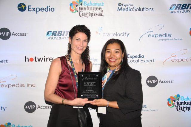 Recibó el premio Sandra Rodón, Directora de Distribución Global para RIU Hotels