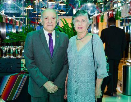 Sr. Roger Espaillat-Martha de Espaillat