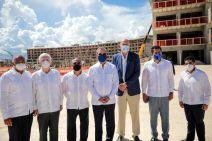 Juan Carlos Martinez, Jesús Barderas, Fernando Hazoury, Presidente Luis Abinader, Lubo Krstajic, David Collado y Jorge Féliz Germán