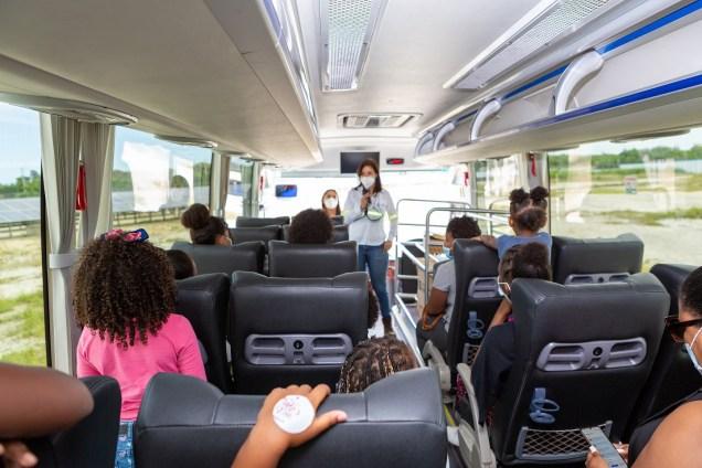 Ruta Educativa_Día de la Niña_Bus eléctrico