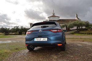 Nuevo Renault Mégane Bose trasera - PUNTA TACÓN TV