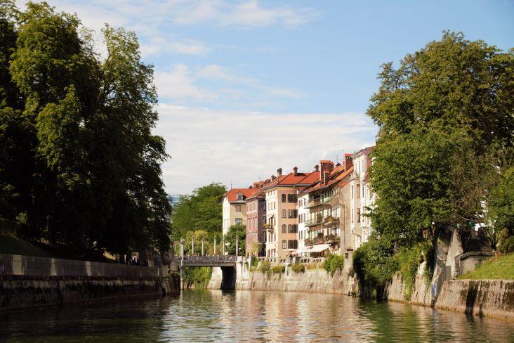 veduta della capitale slovena dalla barca
