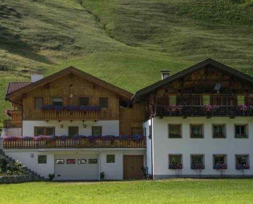Tipiche abitazioni in val Sarentino