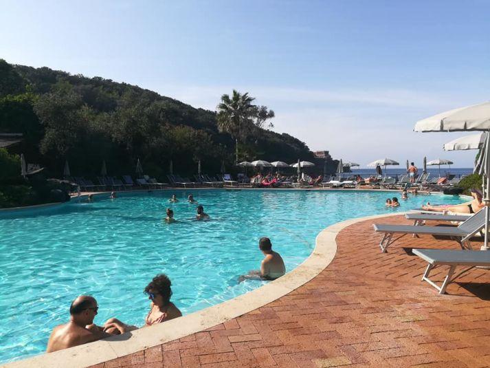 Una delle piscine del parco termale Negombo