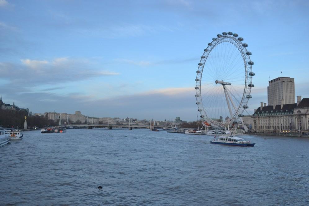 El Támesis puede servirte de compañía y guía si visitas Londres