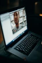 """Serie de debates en línea """"Sit & TIC Talks, Conversaciones sobre e-confinamiento"""""""