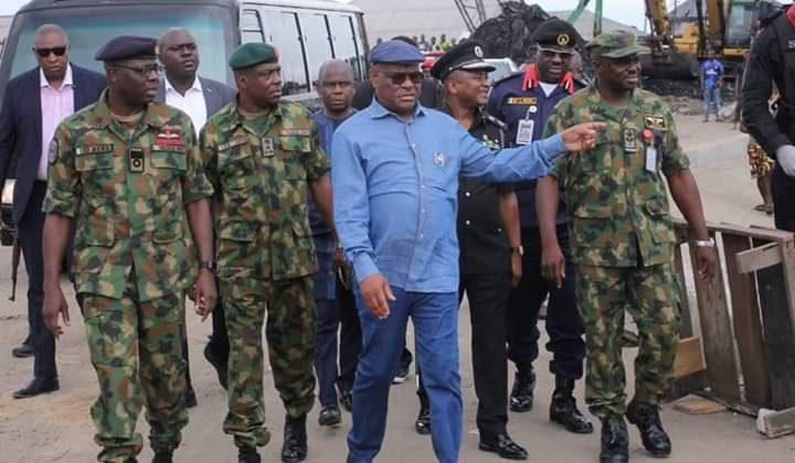 Gov. Nyesom Wike Of Rivers On Saturday Led Members Of The State Task Force On Enforcement Of The Ban On Public And Religious Gatherings To Ensure Compliance To Closure Of Markets. Wike, Had Through An Executive Order, Declared That All Markets In The State No Matter How Small Should Be Shut