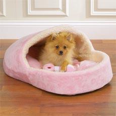 Slipper shaped bed