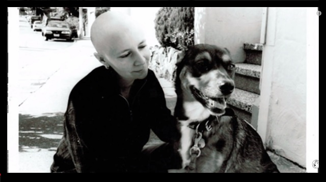 dog helps woman with cancer