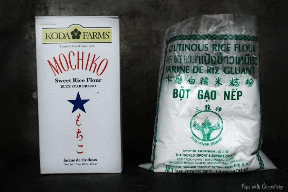 Box of glutinous rice flour from koda farms on the left, a bag of thai brand rice flour on the right