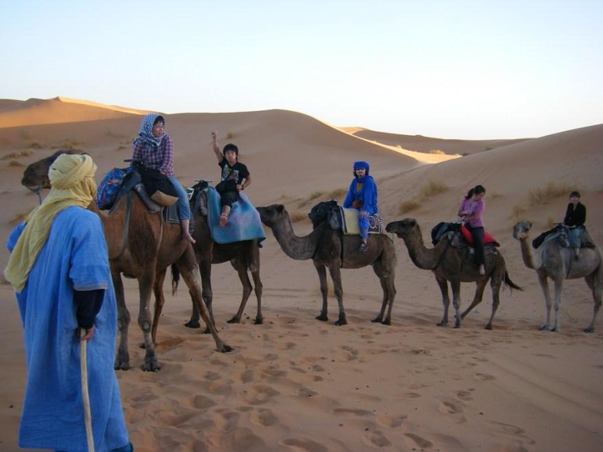 サハラ砂漠で出会った皆の写真
