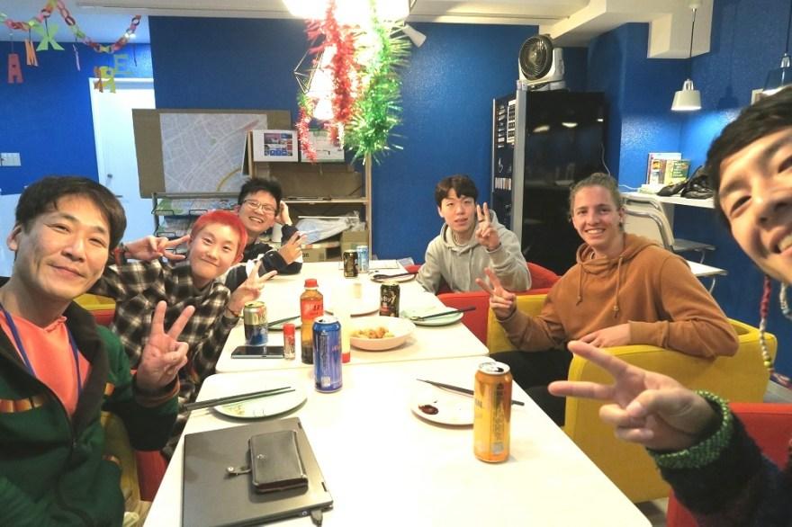 神戸ホステルアンカレッジで異文化交流パーティの写真