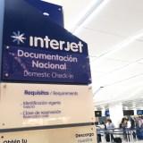 メキシコシティ国際空港Interjet国内線のチェックインカウンターの写真