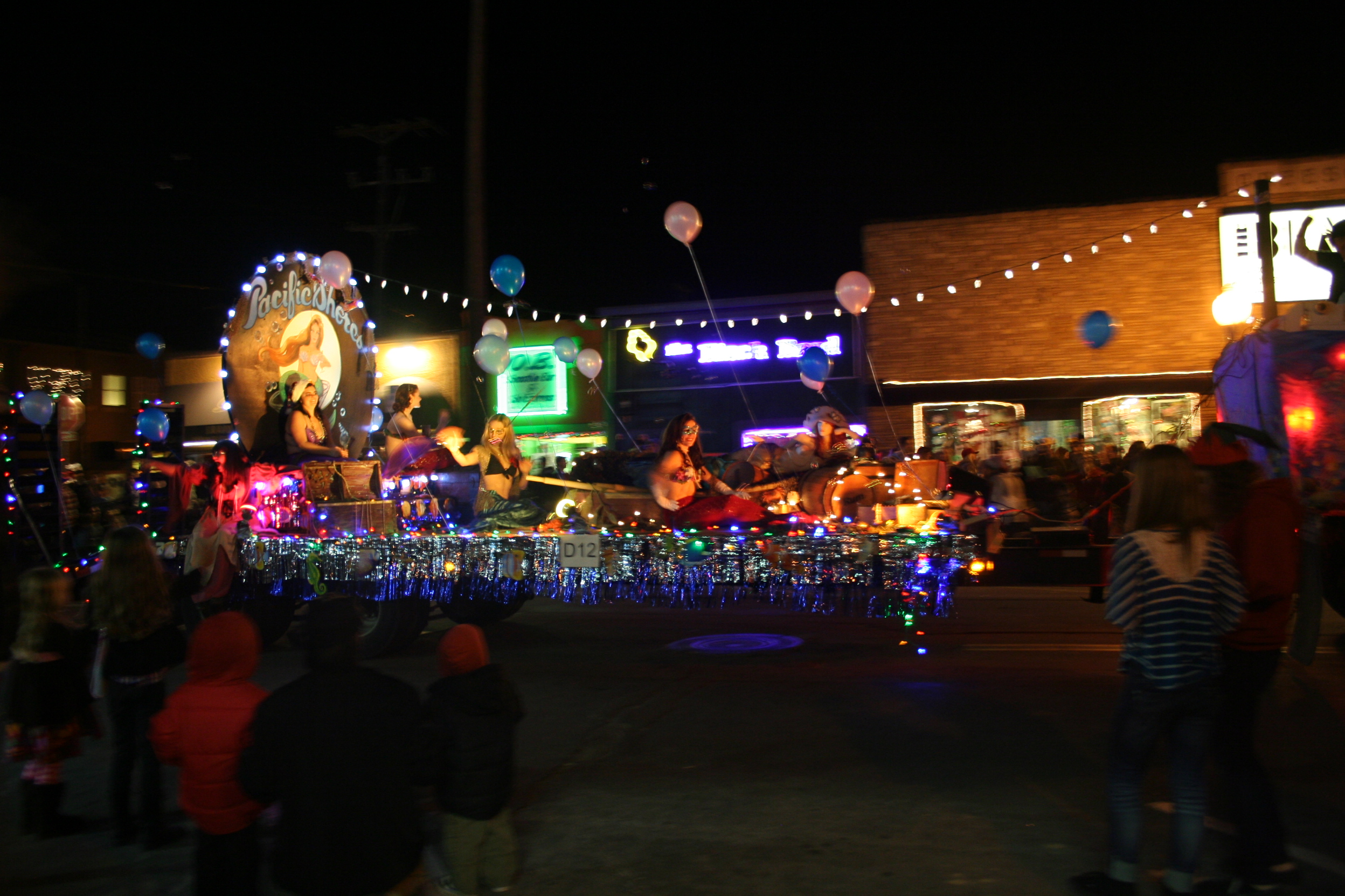 OB Christmas Parade - Pura Vida Culture