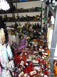 market after quake