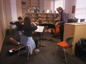 Levon Chilingirian OBE coaching Beethoven String Quartet No. 10, Op. 74 'The Harp', Jan 2015 Photo © Amy Furfaro