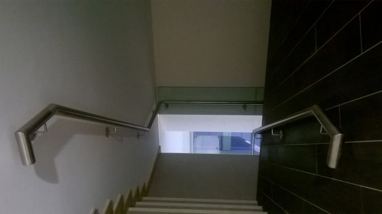 13 - Top Flight with Stainless Steel Handrails