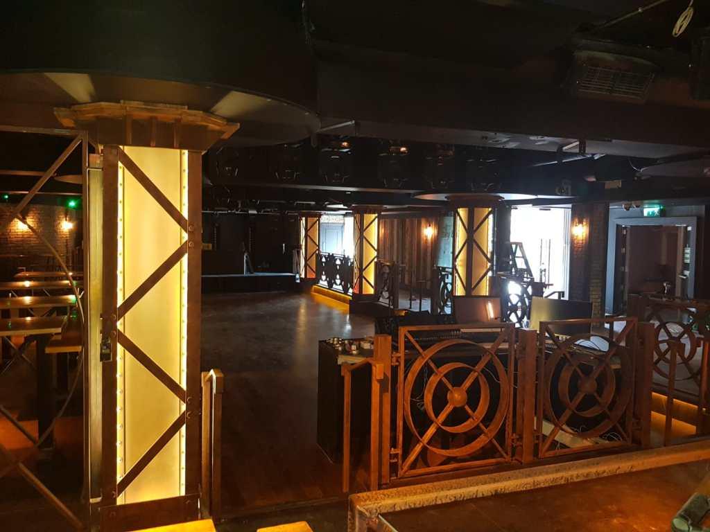 Dancefloor balustrade and light pillars