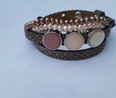 Setje armbanden bruin print met roze