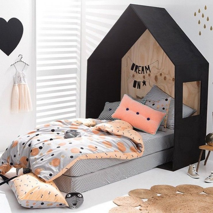 black_house_bed