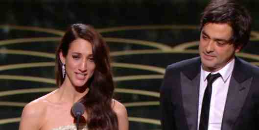 Deniz Gamze Ergüven reçoit le César du meilleur premier film
