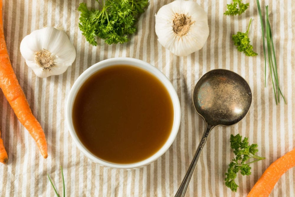 8 benefits of bone broth for health and beauty