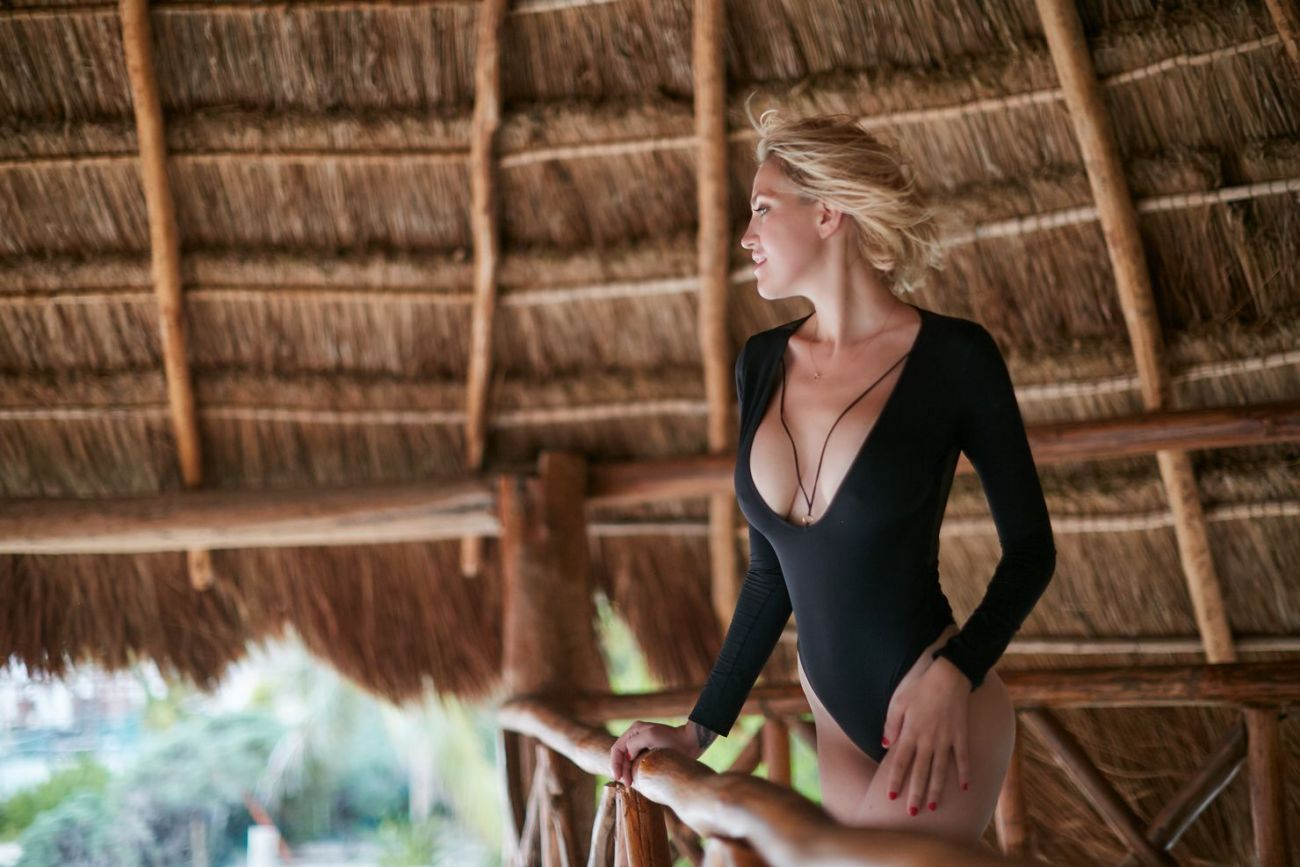 best chicago boudoir beach copy 2 - How to Choose a Perfect Location for Your Boudoir Session