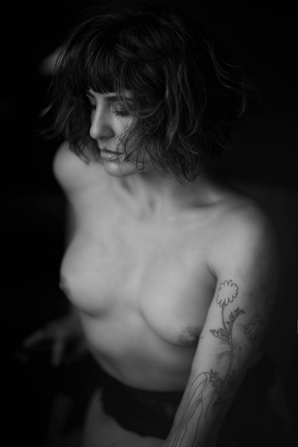 black and white natural boudoir photo session Chicago