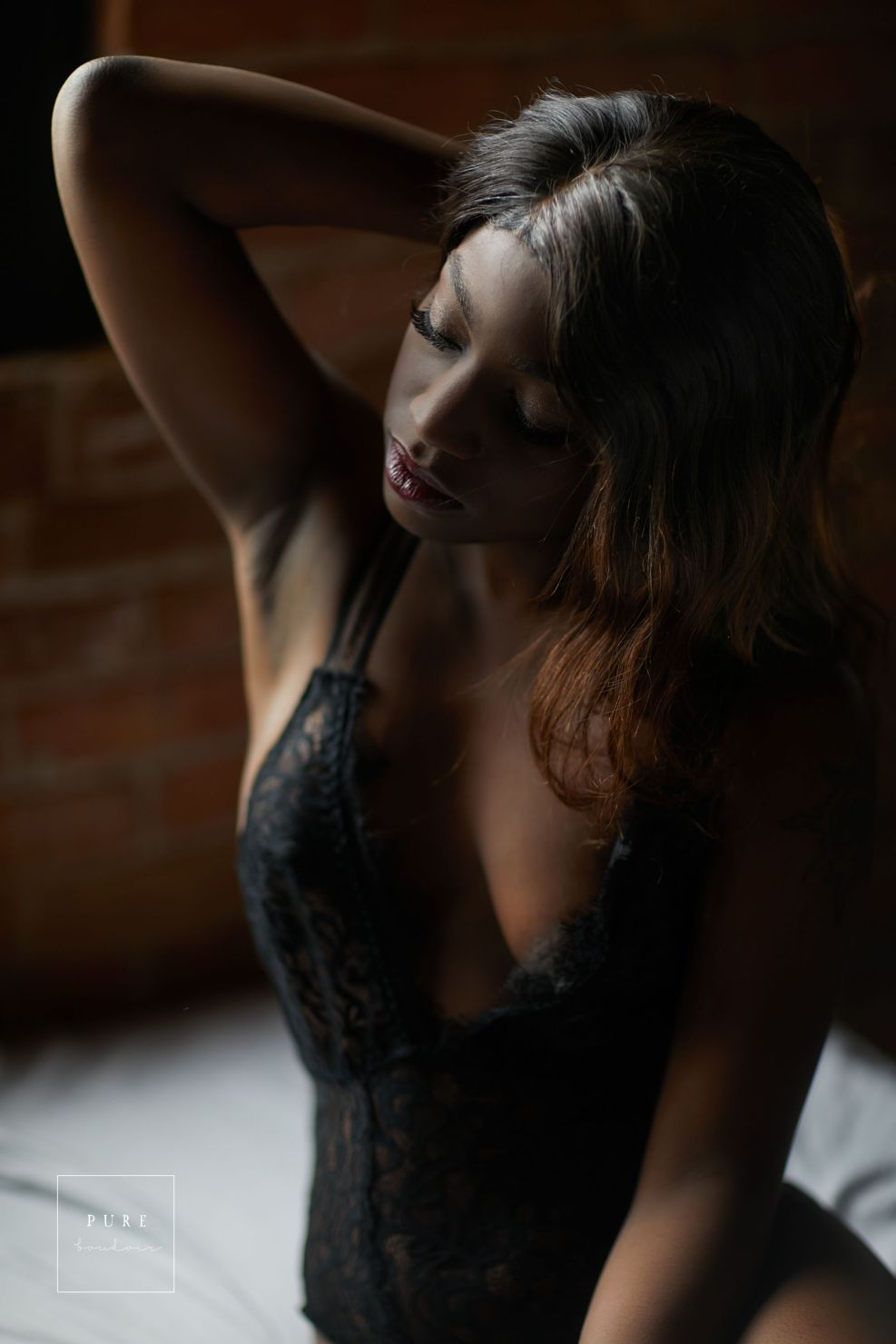 sensual classy elegant sexy chicago boudoir - How to Find the Right Fit - Chicago Boudoir Photography