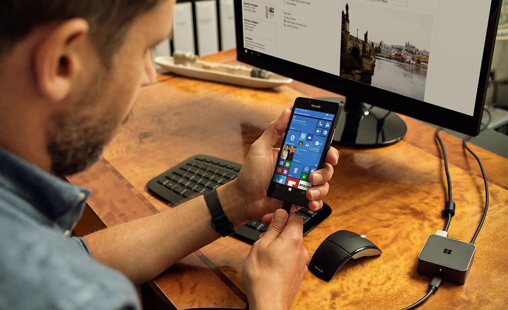 Microsoft Display Dock accessory