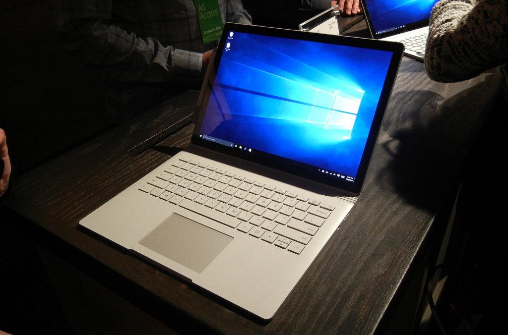 Microsoft Surface CoSAR Windows